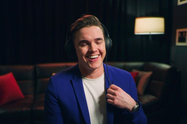 jessemccartney-listening-1