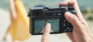 Hızlı AF ile α6100 APS-C fotoğraf makinesi ürününün fotoğrafı