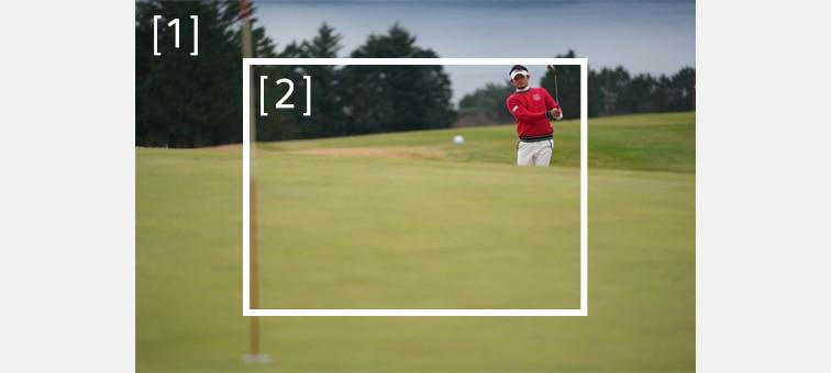 Beyaz merkez kareyle golfçü görüntüsü